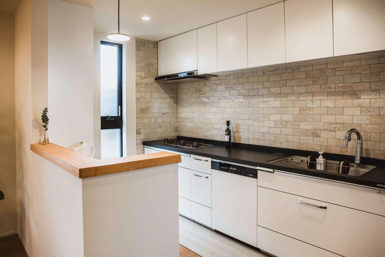 ナイスホーム【デザイン住宅、収納力、間取り】4社のショールームに足を運んで実際に見て選び、作業のしやすさやスペースにもこだわったキッチン