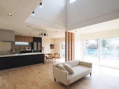 電力の自給自足が叶う、年中快適な二世帯住宅