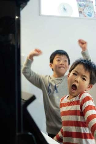 省燃費住宅 大洋工務店|育ち盛りの2人が全力ではしゃぎ、遊べる。暖かくて安心できる家が完成した