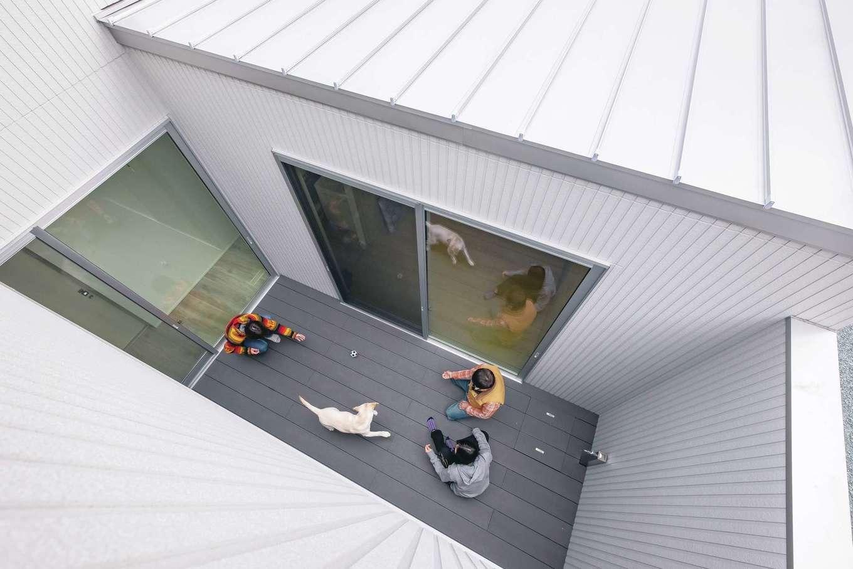 ティアラホームスタイル | 外を閉じて内に広がる家族の暮らし