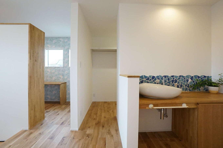 RIKYU (リキュー)【子育て、建築家、インテリア】手洗いコーナー、ウォークインクローゼット、スタディコーナーなど多機能を持つ2階フリースペース