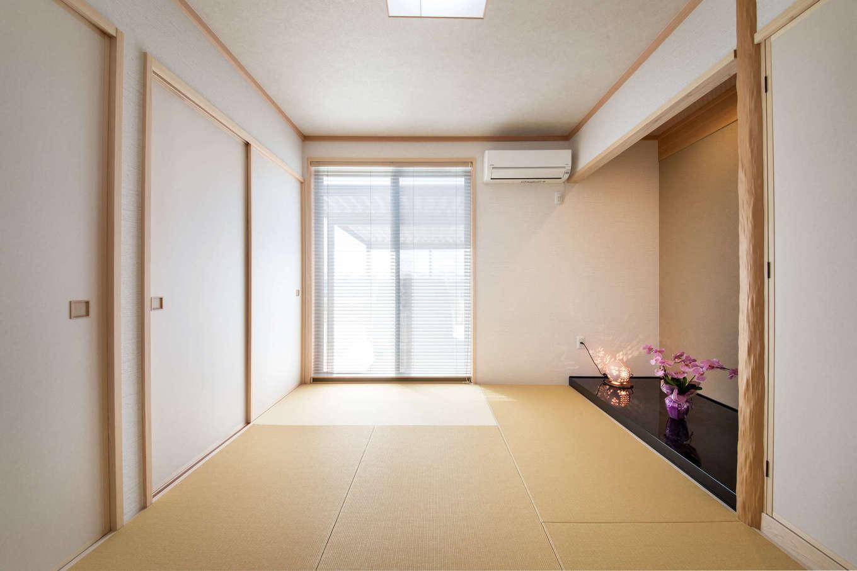 「いつでもお客さまを迎えられるようにしたい」という奥さまの要望で、玄関を入ってすぐの場所に、客間にもなる和室を配置