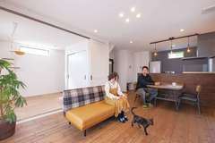 自然素材の機能性で ペットも一緒に安らげる家