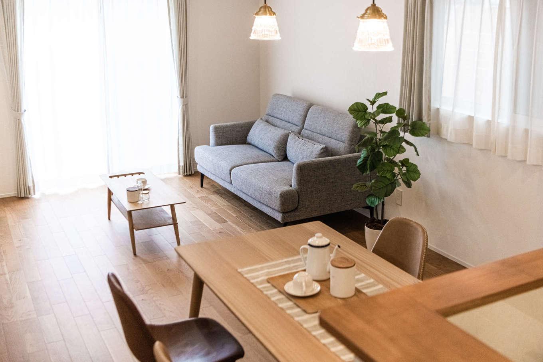 カナルホーム【1000万円台、デザイン住宅、収納力】このモデルハウスは、家具、照明、カーテン、エアコンもすべて付いて販売も行っている