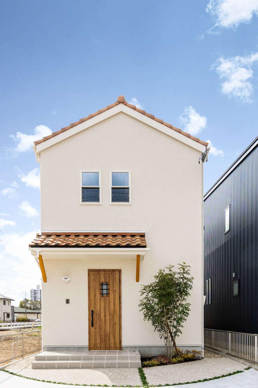 カナルホーム【1000万円台、デザイン住宅、収納力】南フランスに建ち並ぶ民家をイメージした、素朴でかわいい外観デザイン。年月とともに風合いが増していく