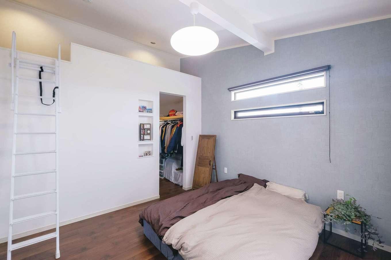 サンワ開発【デザイン住宅、収納力、間取り】ウォークインクローゼットの上にはロフトを設け、収納スペースに