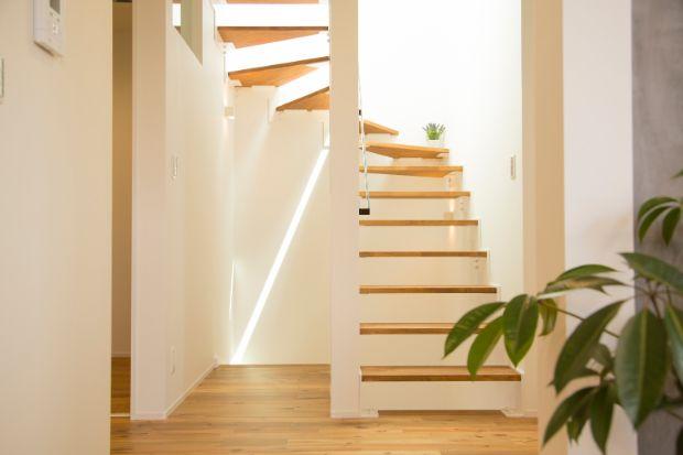階段からの日当たりは抜群
