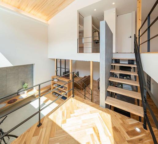 HAPINICE -ハピナイス-【豊橋市山田一番町7-2・モデルハウス】空間をわけることにより生まれるスペース。どこにいても家族の声が届く開放感あふれる空間