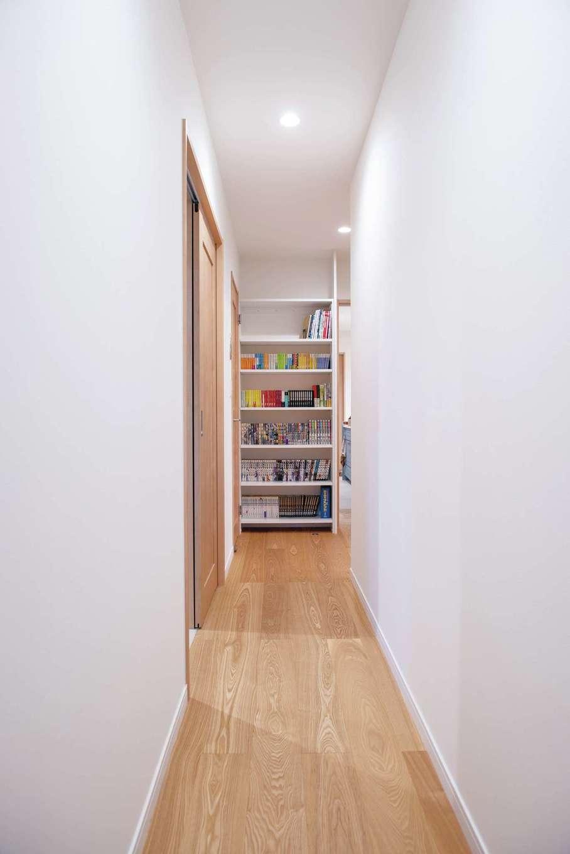 ハウジング小林【間取り、ペット、平屋】廊下のデッドスペースを活かして造作した夫婦共有の書棚