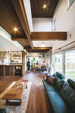 季節ごとの風や光を味方につけて 心と体にゆとりをくれる家