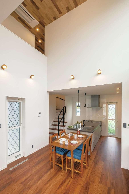 アフターホーム【富士市久沢472・モデルハウス】太陽光発電を搭載し、断熱性能が高いゼロエネ住宅は光熱費を大幅に節約できる