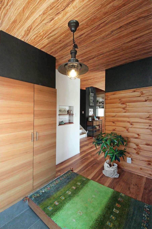 illi-to design 鳥居建設21【デザイン住宅、趣味、インテリア】収納力たっぷりのシューズボックスを設置
