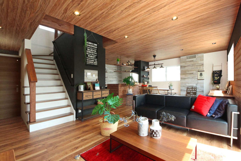 illi-to design 鳥居建設21【デザイン住宅、趣味、インテリア】「ただいま」を言ってから2階に上がるリビング階段