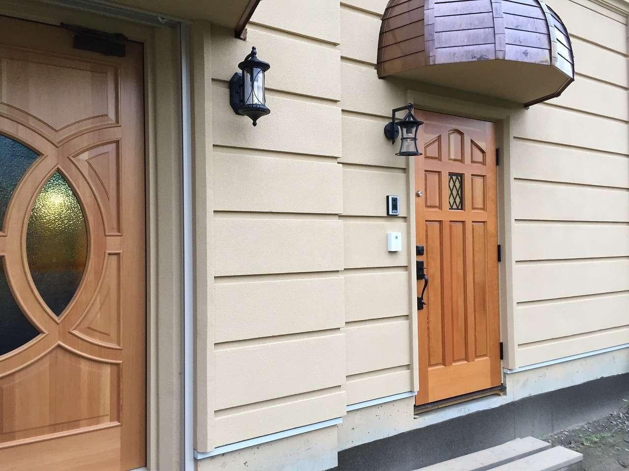 ツリーズ【デザイン住宅、輸入住宅、建築家】経年変化が美しい銅製の軒が目印