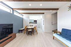 25坪に建つ家は、収納を工夫して広々スペースを確保