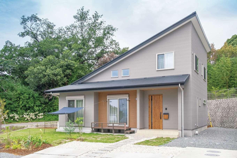 1階で生活できるよう考えられた平屋ベースの2階建て。動線もスムーズで開放的な風通しの良い家に仕上がった