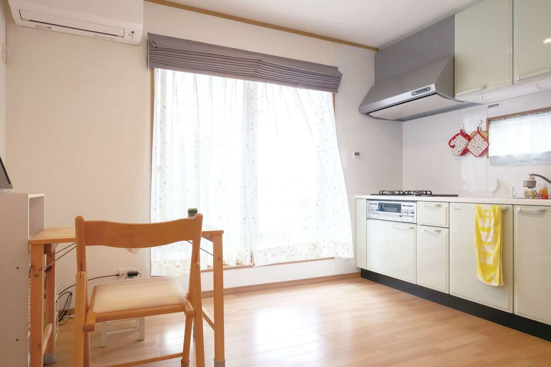興友ハウス【二世帯住宅、趣味、間取り】2階にもミニキッチンがあり時間帯を気にせず自分たちのペースで生活できる