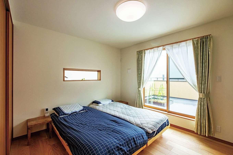 工藤建設【デザイン住宅、和風、間取り】寝室の外は家庭菜園のあるテラス