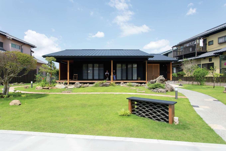 250坪を超える敷地に佇む和モダンスタイルの平屋。庭とのバランスも絶妙
