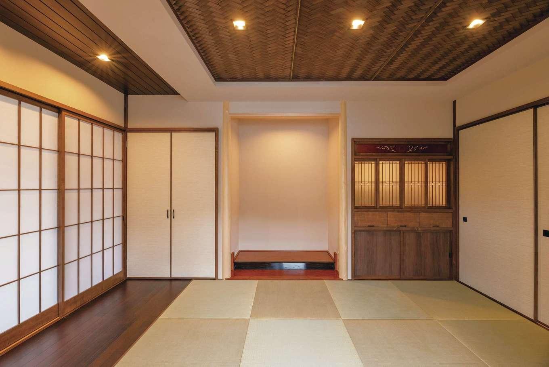 古民家風の和室。造作の仏壇は旧宅にあったものをほぼ忠実に再現した