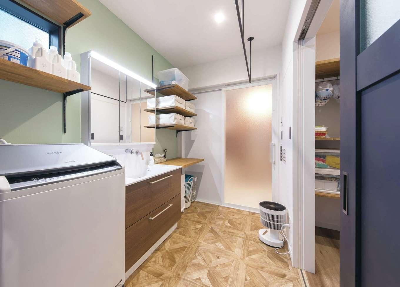 三和建設【デザイン住宅、収納力、間取り】玄関〜ファミリークローゼット〜洗面とつながる便利動線