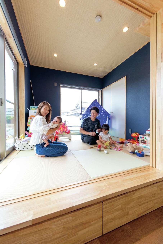 KOUBOU STYLE 建築工房相良【収納力、自然素材、間取り】小上がりは子どもの遊び場として活躍中。床下におもちゃを収納