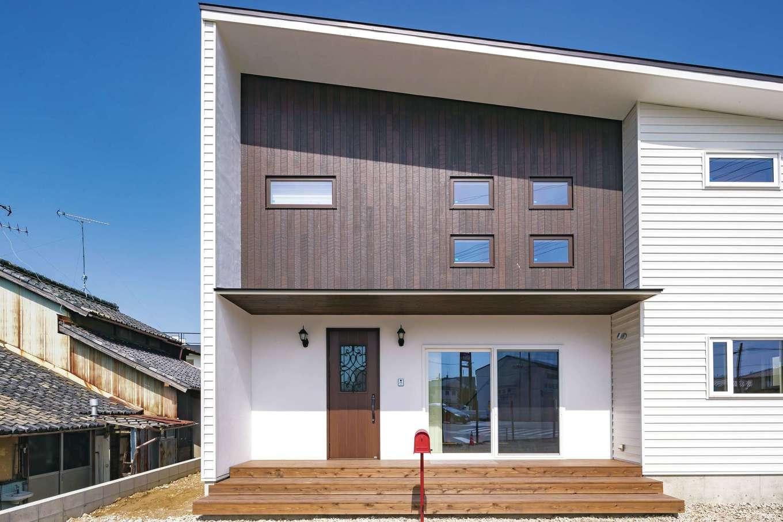 くらはし建築【省エネ、間取り、収納力】ガルバリウムや塗り壁を組み合わせたモダンな外観