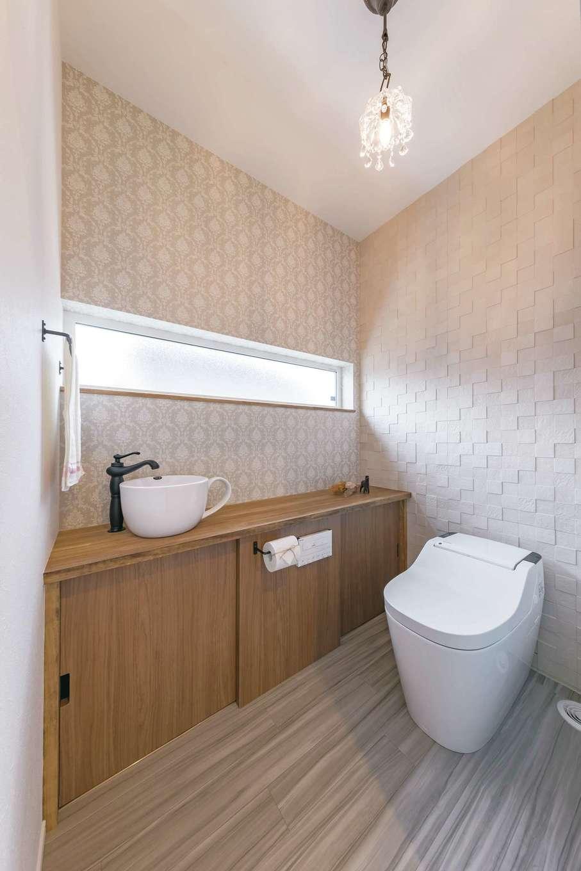 くらはし建築【省エネ、間取り、収納力】トイレには、奥さまがネットで探したコーヒーカップ型の手洗いボウルを採用