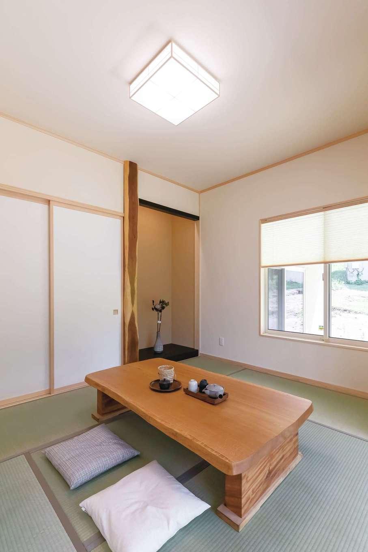 住まいるコーポレーション【デザイン住宅、自然素材、平屋】稀少なエンジュの床柱を用いた端正な和室