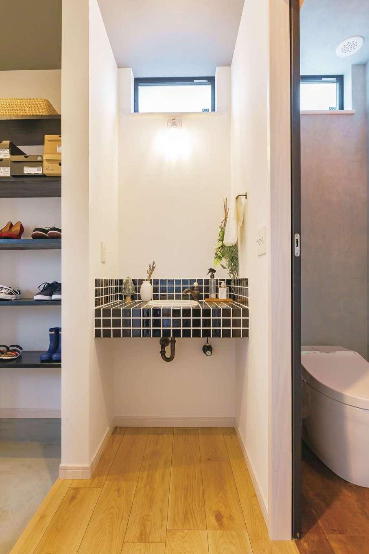 CRASIA(クラシア)【1000万円台、デザイン住宅、インテリア】玄関のすぐそばに手洗い場を設け、帰ってきたらすぐに手洗い・うがいができるように配慮した