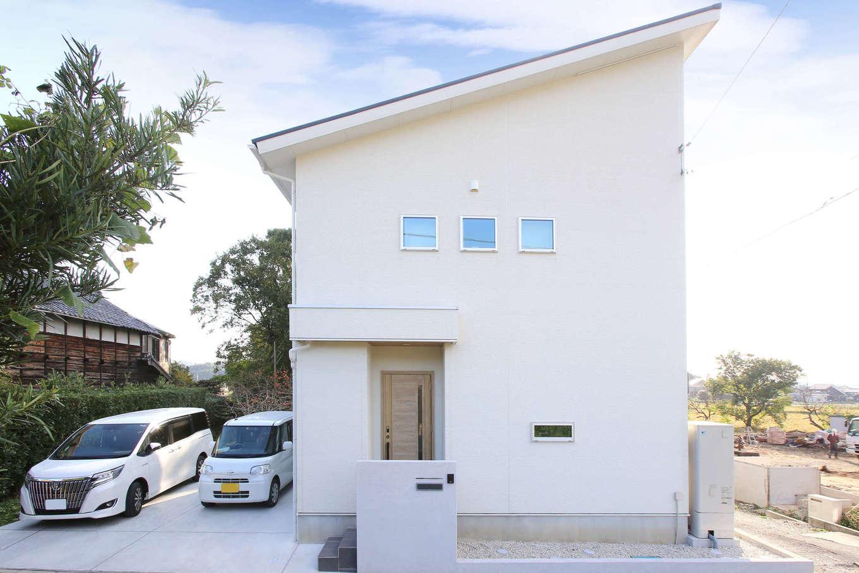 片桐建設【デザイン住宅、収納力、間取り】大胆な片流れの屋根に太陽光発電を搭載したO邸。48坪という限られた面積土地を最大限に使い、ゆったりと暮らせる住まいを実現した