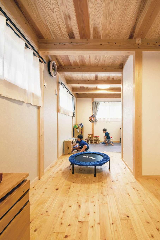 住まい工房 整建【和風、自然素材、間取り】ヒノキの床が心地いい2階の子ども部屋