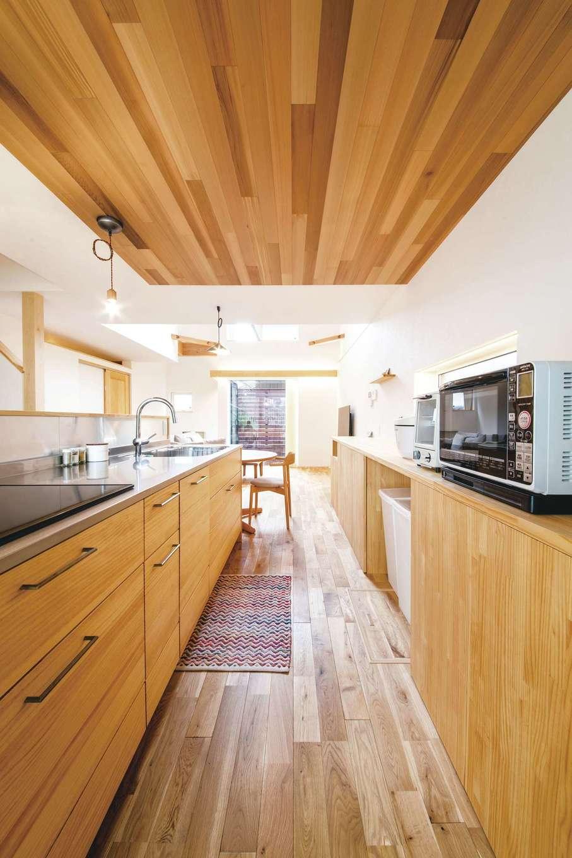 共感住宅 ray-out (レイアウト)【デザイン住宅、子育て、自然素材】換気がしっかりと担保されているため、キッチンにレンジフードがなくても料理の臭いがこもらない(IHコンロに限る)
