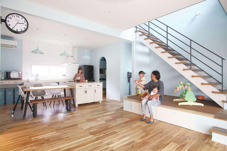 丸昇彦坂建設【デザイン住宅、趣味、間取り】「大勢で集える家にしたい」「ハワイにいる気分を味わいたい」と伝え、デザインされたLDK