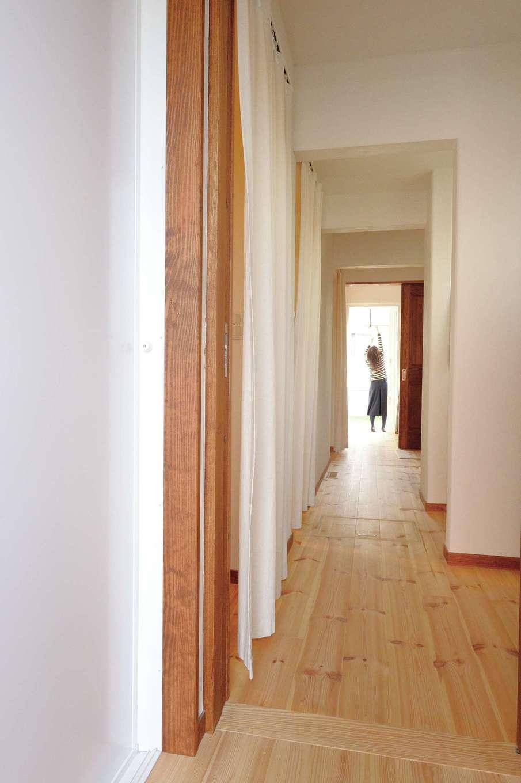 アイジースタイルハウス【デザイン住宅、自然素材、間取り】一直線の家事動線のおかげで、奥さまの毎日の暮らしにも余裕が生まれる