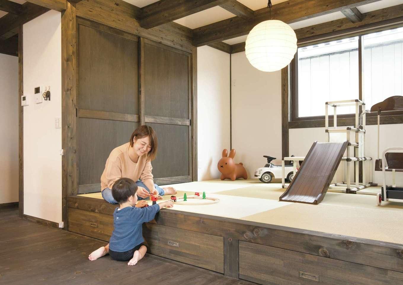 サイエンスホーム【1000万円台、デザイン住宅、自然素材】洗濯物をたたんだり、子どもを昼寝させたり、ベンチ代わりにもなる小上がりの個室