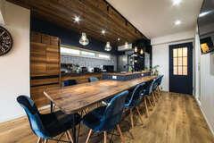築33年の中古マンションをカフェスタイルに再生して公開中