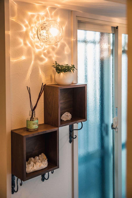 ハート住いる【岡崎市六名新町・オープンハウス】マンションは玄関ドアとサッシを勝手に交換することができないため、断熱と遮音対策として内窓を追加して二重サッシとした