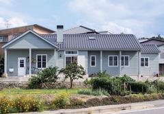 普遍的な美しさを持つ ノスタルジックな平屋建ての家