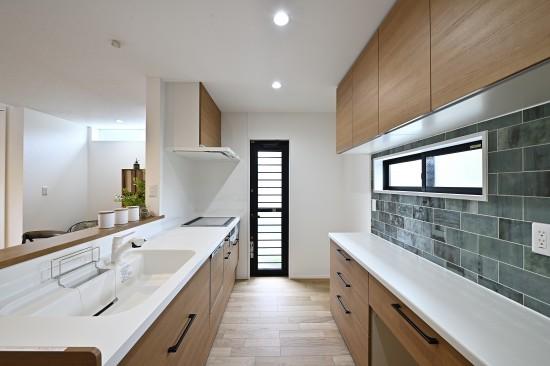 キッチンからすべてが見渡せる空間