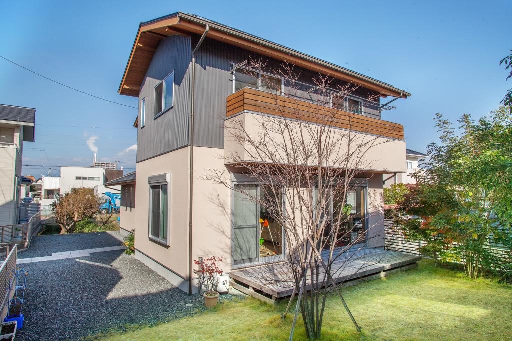 最大30万円の助成金がもらえる! しずおかの木で建てた家