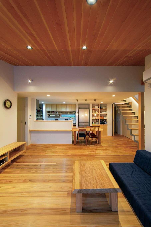 TENアーキテクツ 一級建築士事務所【デザイン住宅、和風、建築家】収納や家具はほぼ造作。雰囲気にマッチし、使い勝手もいい