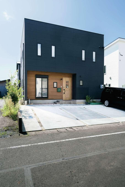 甲静ハウジング【デザイン住宅、趣味、間取り】外観はちょっぴり男前の仕上がり。室内とのギャップを狙ったそう