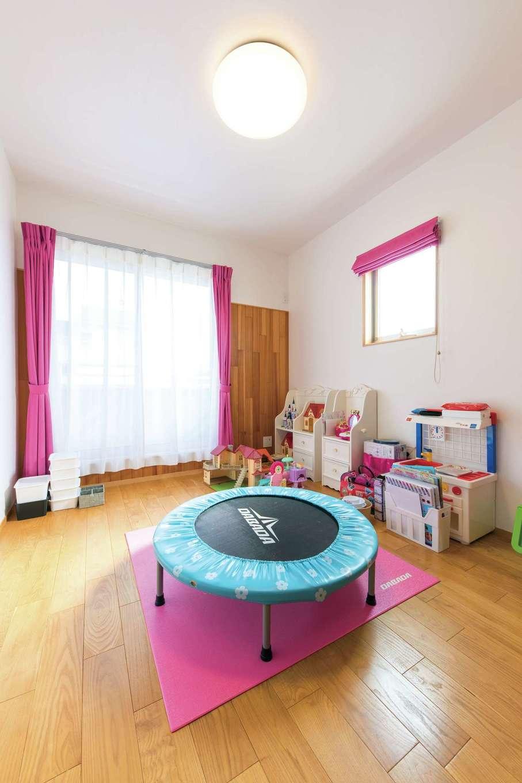 櫻 工務店【和風、自然素材、間取り】2階の子ども部屋も光が燦々と入って明るい