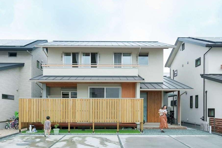 コバヤシ建築【収納力、和風、自然素材】安定感のある総2階の外観