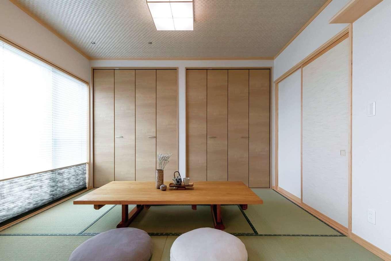 住まいるコーポレーション【デザイン住宅、自然素材、省エネ】続き間の和室。壁一面に収納を設けてある