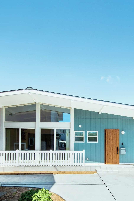 BAUM HOME(岩崎工務店)【デザイン住宅、趣味、平屋】サーフカルチャーを象徴する夏・海・晴れをイメージした外観