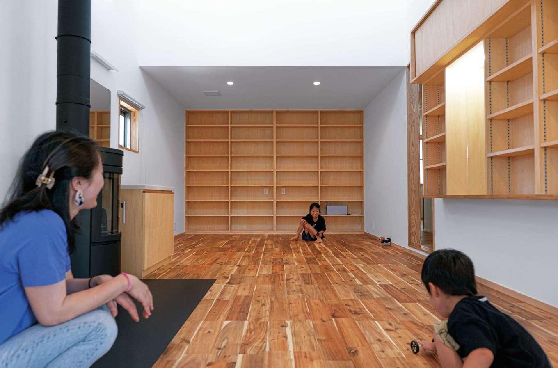 TANAKEN(田中建設)【子育て、自然素材、間取り】大容量の収納棚も造作。。無垢の床はアカシア