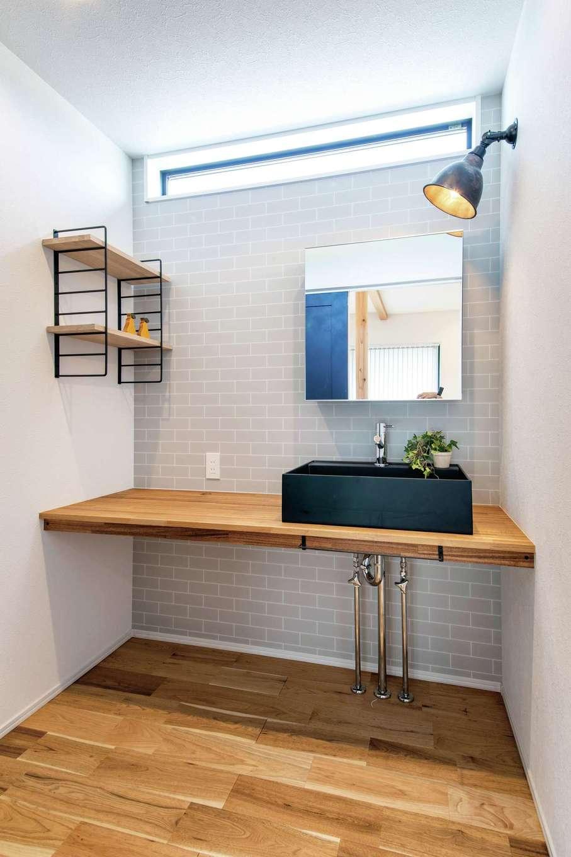 住たくeco工房【趣味、間取り、ガレージ】シンプルで使い勝手の良い造作の洗面台