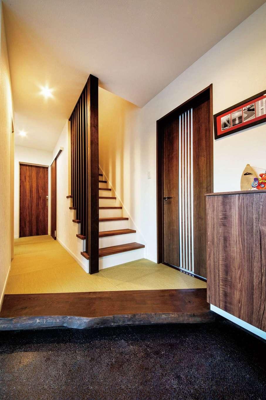 未来創建【デザイン住宅、子育て、収納力】同社のショールームを参考にした畳敷きの玄関ホール